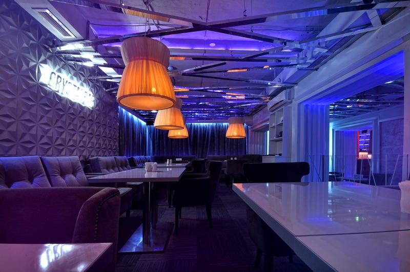 фото дизайн ресторана в хай тек стиле